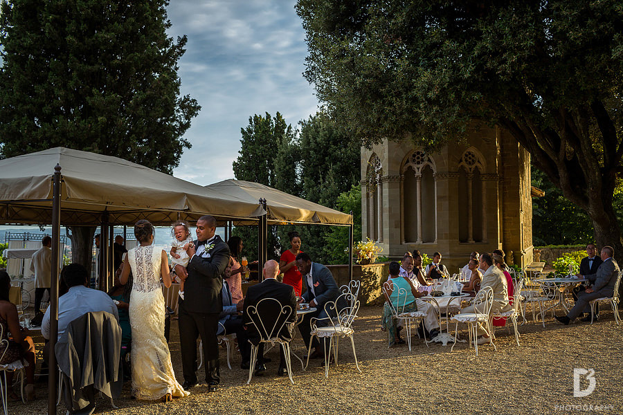 Wedding-party-in-Tuscany