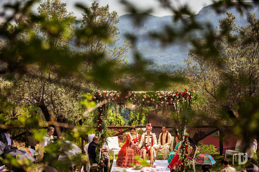 Indian wedding In Tuscany Italy at Renaissance Il Ciocco Resort & spa-25