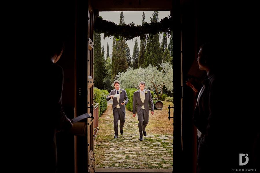 Wedding at Vicchiomaggio Castle in tuscany-12