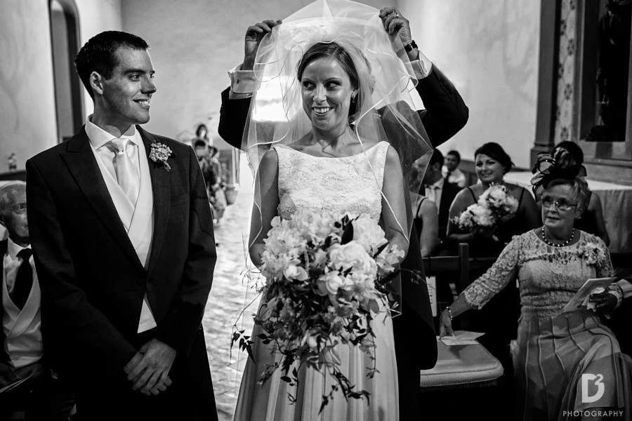 Wedding at Vicchiomaggio Castle in tuscany-14
