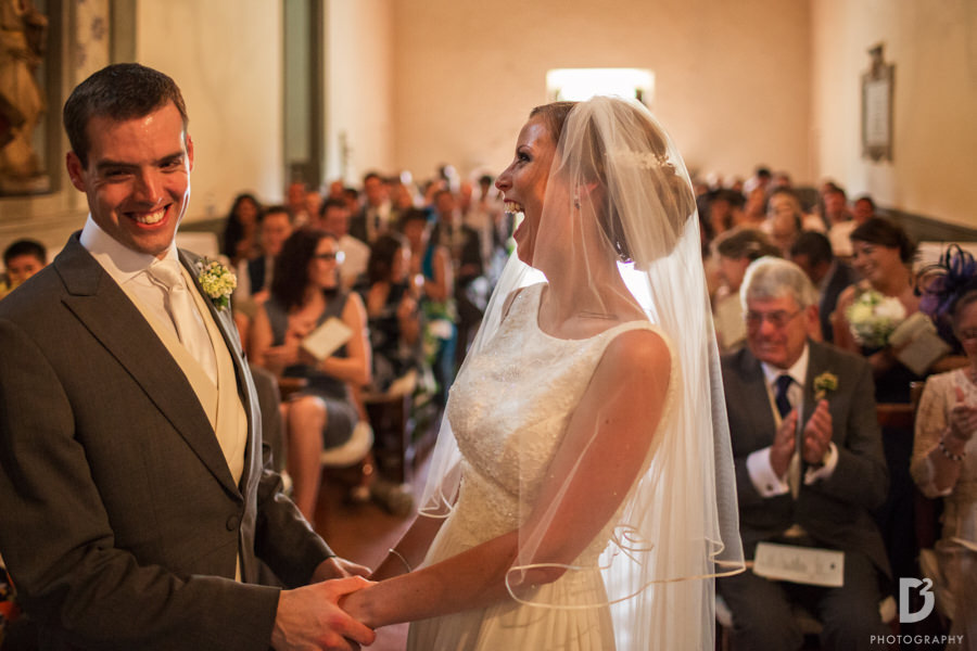 Wedding at Vicchiomaggio Castle in tuscany-15