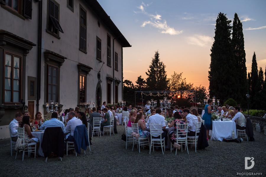 Wedding at Vicchiomaggio Castle in tuscany-32