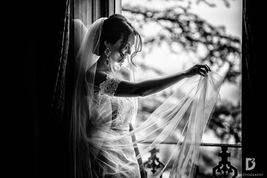 Candid wedding photos in Tuscany Italy-15