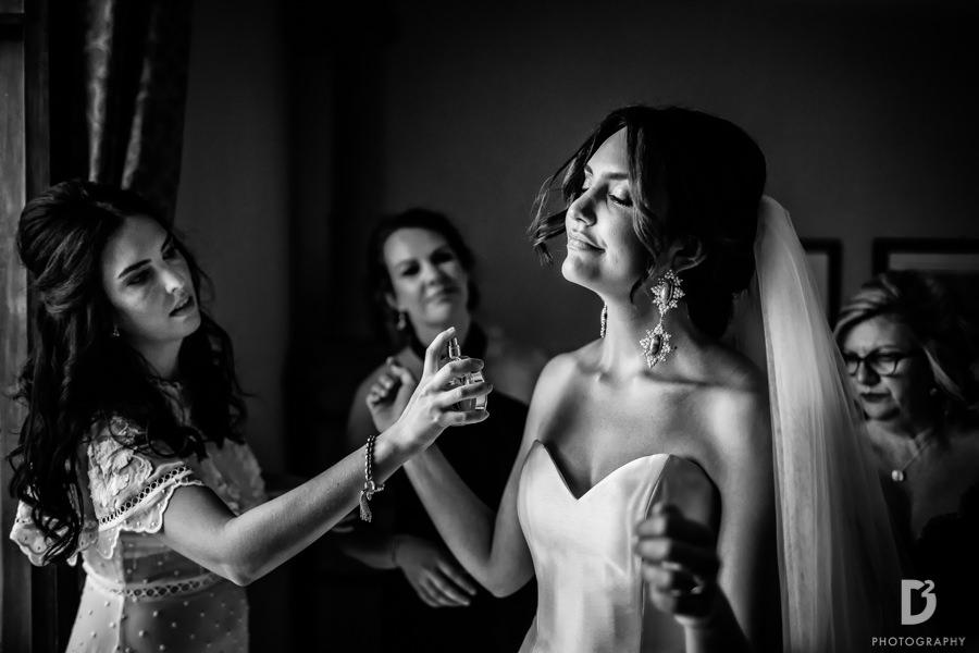 Candid wedding photos in Tuscany Italy-18
