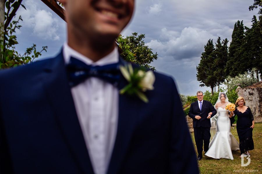 Candid wedding photos in Tuscany Italy-22
