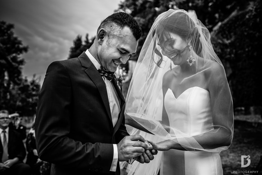Candid wedding photos in Tuscany Italy-26