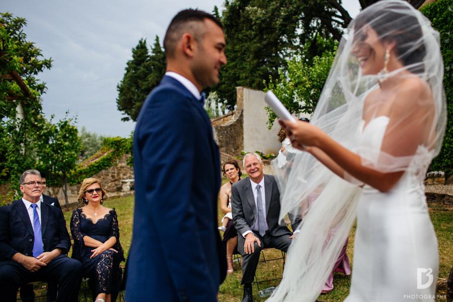Candid wedding photos in Tuscany Italy-28