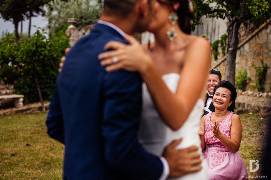 Candid wedding photos in Tuscany Italy-30