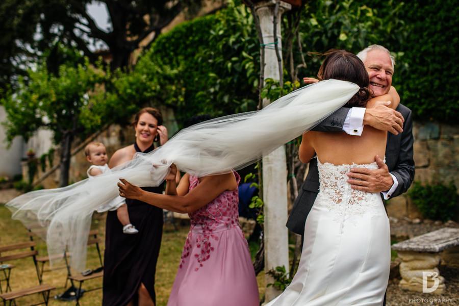 Candid wedding photos in Tuscany Italy-34