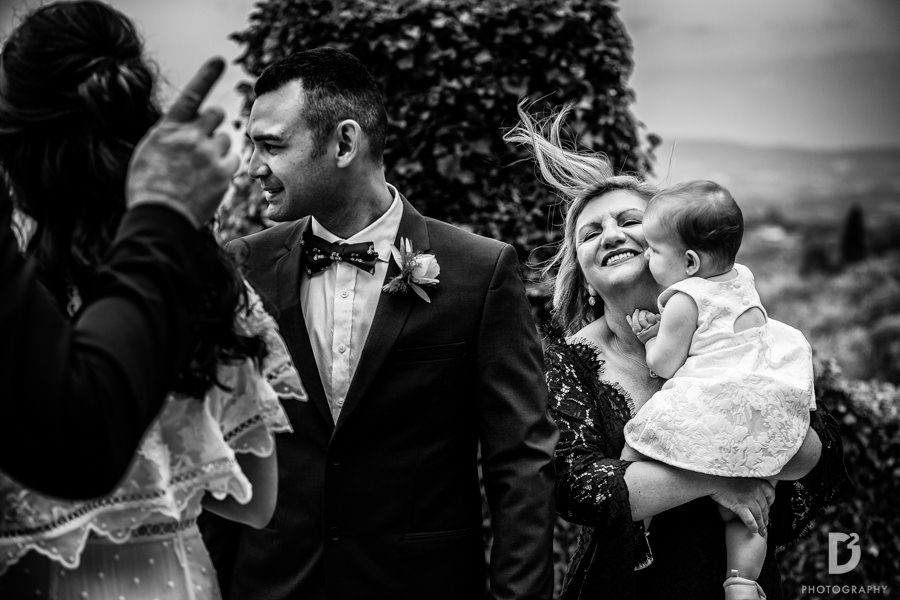 Candid wedding photos in Tuscany Italy-36