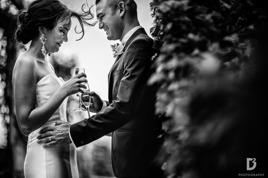 Candid wedding photos in Tuscany Italy-39