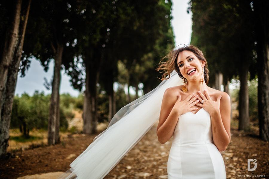 Candid wedding photos in Tuscany Italy-43