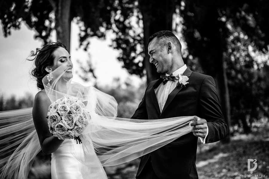 Candid wedding photos in Tuscany Italy-44