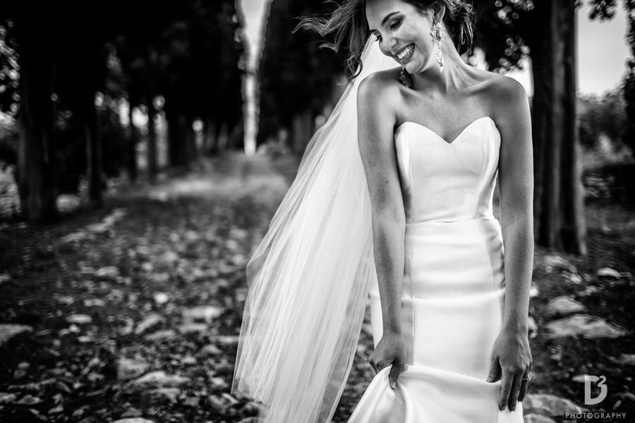 Candid wedding photos in Tuscany Italy-47